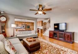 10054 Glenstone Circle-small-005-12-Living Room-666x444-72dpi