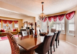 10104-Silver-Maple-rd-small-007-5-Dining-Room-666x444-72dpi