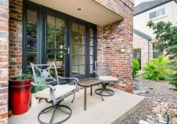 6290 S Iola Ct Englewood CO-small-003-2-Front Patio-666x445-72dpi