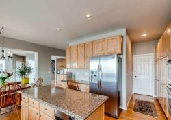 10053 Glenstone Cir Highlands-small-009-16-Kitchen-666x443-72dpi