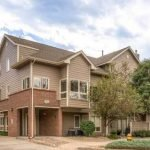 Sizzling Style at 1320 S. Monaco Pkwy #12