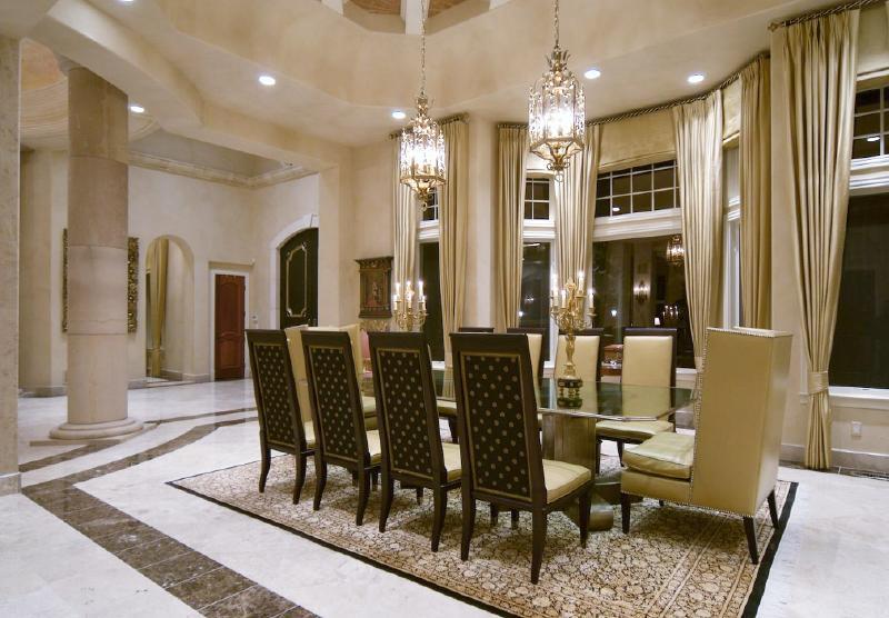 Luxury Estate Evans Ridge
