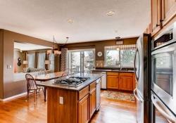 10054 Glenstone Circle-small-011-11-Kitchen-666x444-72dpi