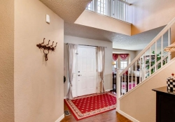 10104 Silver Maple rd-small-003-2-Foyer