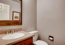 10105_Silver_Maple_Rd-large-013-28-Powder_Room-1500x1000-72dpi