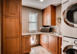 10105_Silver_Maple_Rd-large-027-5-Laundry_Room-1500x1000-72dpi