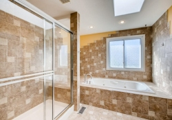 10123-Silver-Maple-Littleton-large-020-016-Master-Bathroom-1500x1000-72dpi