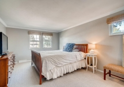 10846-E-Berry-Ave-Englewood-CO-large-015-026-2nd-Floor-Master-Bedroom-1500x1000-72dpi