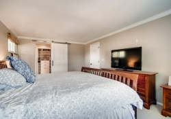 10846-E-Berry-Ave-Englewood-CO-large-016-008-2nd-Floor-Master-Bedroom-1500x1000-72dpi