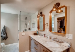 10846-E-Berry-Ave-Englewood-CO-large-017-007-2nd-Floor-Master-Bathroom-1500x1000-72dpi