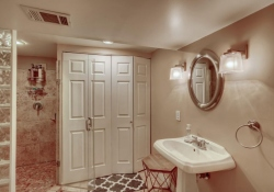 10846-E-Berry-Ave-Englewood-CO-large-023-017-Lower-Level-Bathroom-1500x1000-72dpi