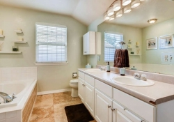 1131-Riddlewood-Road-Littleton-small-017-18-2nd-Floor-Master-Bathroom-666x444-72dpi