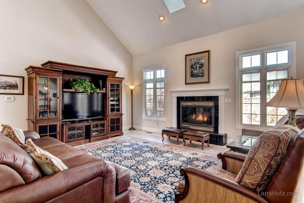 1395-cherry-street-brighton-co-large-004-living-room-1499x1000-72dpi