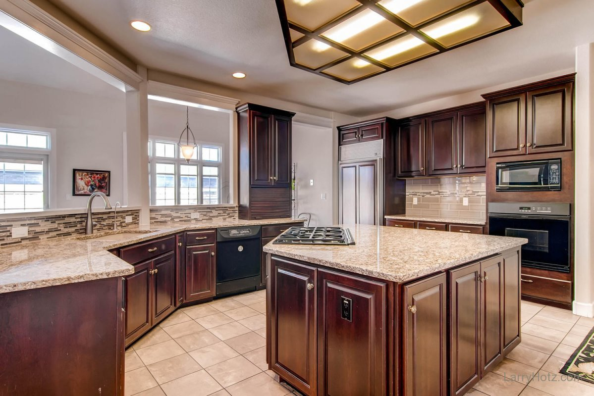 1395-cherry-street-brighton-co-large-010-kitchen-1500x1000-72dpi