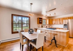 16079_W_50th_Ave_Golden_CO-small-013-19-Breakfast_Area-666x444-72dpi