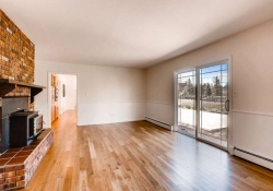 16079_W_50th_Ave_Golden_CO-small-015-12-Family_Room-666x444-72dpi