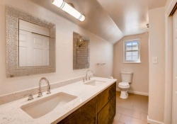 16079_W_50th_Ave_Golden_CO-small-027-38-2nd_Floor_Bathroom-666x444-72dpi