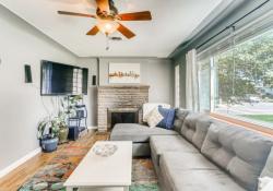 1695-Syracuse-St-Denver-CO-Web-Quality-005-08-Living-Room