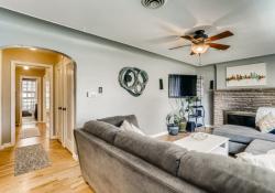 1695-Syracuse-St-Denver-CO-Web-Quality-006-09-Living-Room