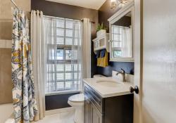 1695-Syracuse-St-Denver-CO-Web-Quality-017-25-Primary-Bathroom