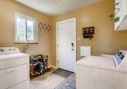 1695-Syracuse-St-Denver-CO-Web-Quality-019-29-Laundry-Room