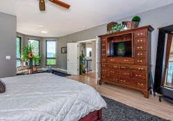 26799_Mirage_Dr_Conifer_CO-small-017-27-Master_Bedroom-666x434-72dpi