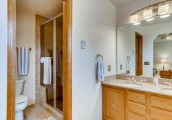 31-2nd-Floor-Primary-Bathroom