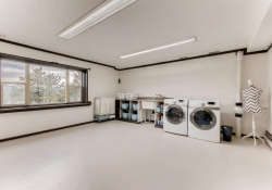 31301-Red-Hawk-Trail-Conifer-large-034-18-Lower-Level-Laundry-Room-1499x1000-72dpi