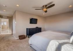 3367-Cranston-Circle-Highlands-large-016-013-2nd-Floor-Master-Bedroom-1500x1000-72dpi