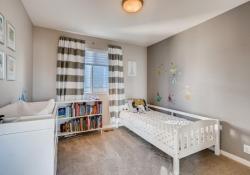3367-Cranston-Circle-Highlands-large-022-019-2nd-Floor-Bedroom-1500x1000-72dpi