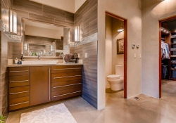 3465_S_Columbine_Circle-large-018-27-Master_Bathroom-1500x1000-72dpi