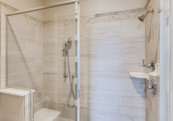 25-Primary-Bathroom