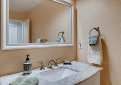 41-Lower-Level-Bathroom