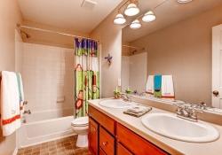 3661-akron-street-denver-co-small-022-2nd-floor-bathroom-666x444-72dpi
