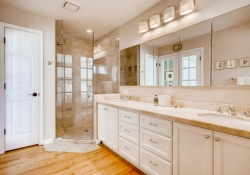 4070 S Dexter St Englewood CO-large-016-10-Master Bathroom-1500x1000-72dpi