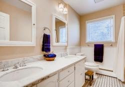 4070 S Dexter St Englewood CO-large-018-6-Bathroom-1500x1000-72dpi