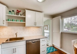 4601-S-Logan-St-Englewood-CO-small-010-6-Kitchen-666x444-72dpi
