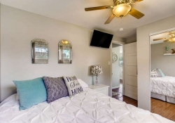 4601-S-Logan-St-Englewood-CO-small-017-28-Master-Bedroom-666x445-72dpi