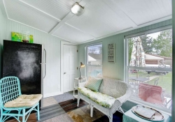 4601-S-Logan-St-Englewood-CO-small-020-20-Sunroom-666x444-72dpi