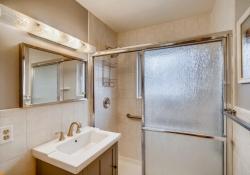 4710-S-Pennsylvania-St-large-017-019-Bathroom-1500x1000-72dpi