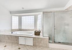4780-Nighthorse-Court-Parker-large-017-008-2nd-Floor-Primary-Bathroom-1500x1000-72dpi