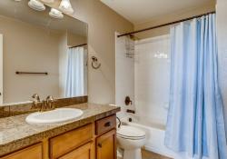 38-2nd-Floor-Bathroom