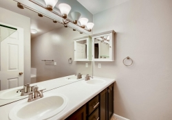 5555-E-Briarwood-Ave-Unit-1904-large-015-13-2nd-Floor-Master-Bathroom-1500x1000-72dpi