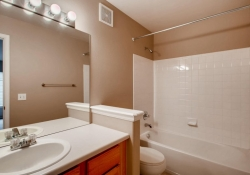 5555-E-Briarwood-Ave-Unit-1904-large-021-22-2nd-Floor-Bathroom-1500x1000-72dpi