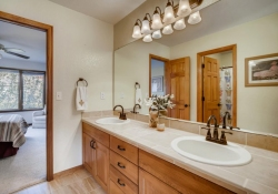 5594-S-Jasper-Way-Centennial-large-021-020-2nd-Floor-Bathroom-1500x1000-72dpi