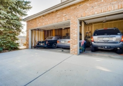 5594-S-Jasper-Way-Centennial-large-025-024-Garage-1500x1000-72dpi