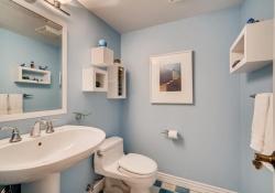 5693-S-Jamaica-Way-Englewood-large-016-020-Powder-Room-1499x1000-72dpi