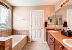5897 S Zante Cir Aurora CO-large-017-15-2nd Floor Master Bathroom-1500x1000-72dpi