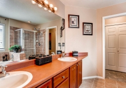 5897 S Zante Cir Aurora CO-large-019-18-2nd Floor Master Bathroom-1500x1000-72dpi