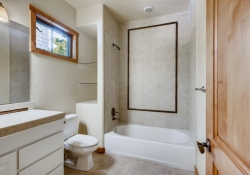 5910-S-Ogden-Ct-Centennial-CO-large-021-017-Bathroom-1500x1000-72dpi